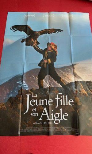 Affiche de cinéma La jeune fille et son aigle