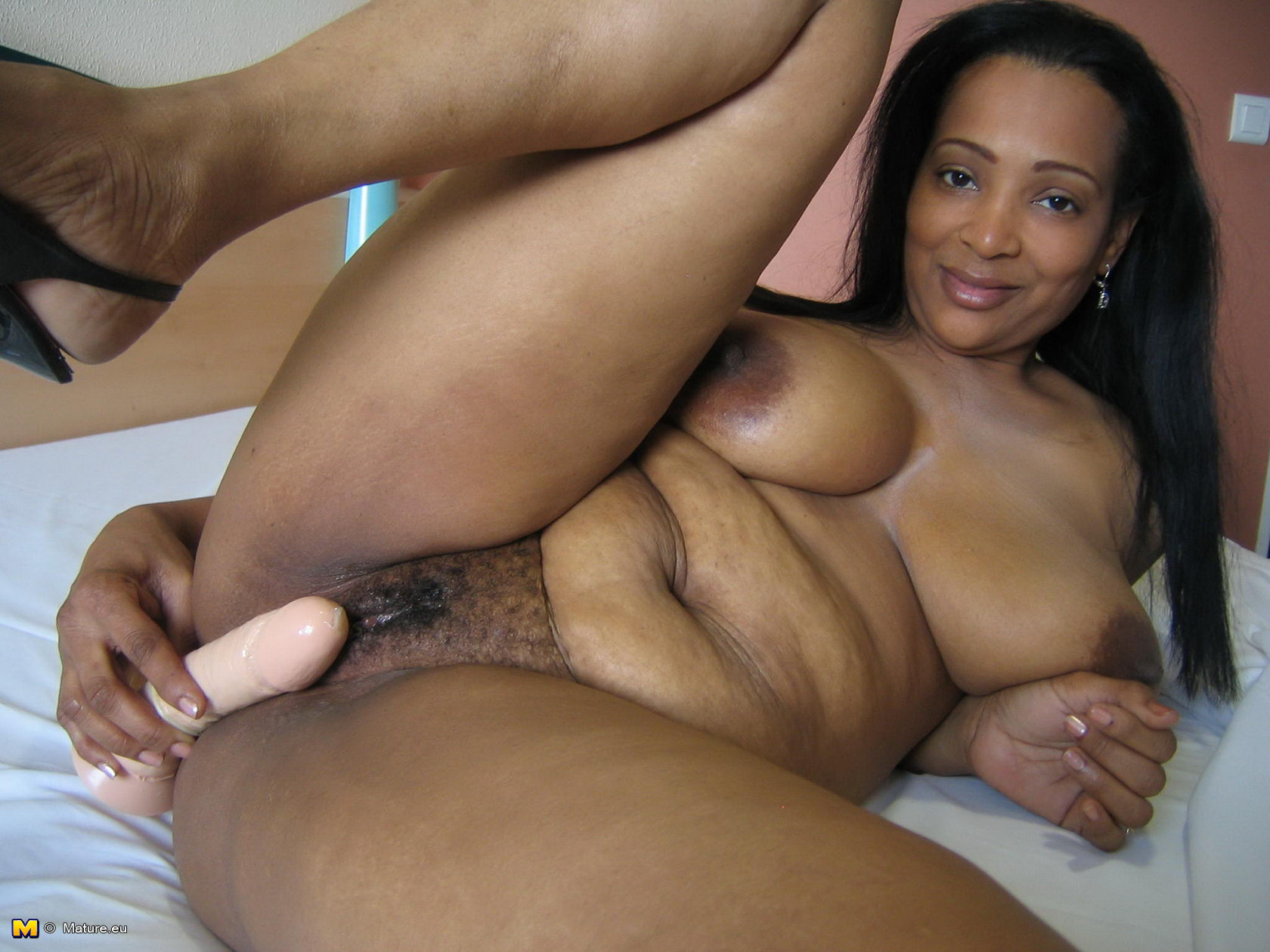 Ebony mature anal