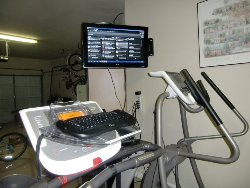 Treadmill desk keyboard and monitor
