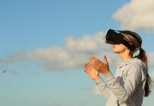 Virtual reality goggles