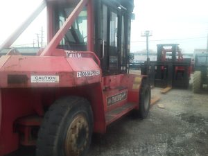 30,000lbs. Taylor Forklift 1