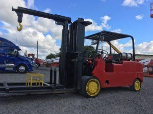 30000lb-capacity-cat-model-t300-forklift-for-sale-8
