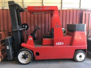 30,000lb. to 40,000lb. Capacity Rigger Lift Forklift For Sale