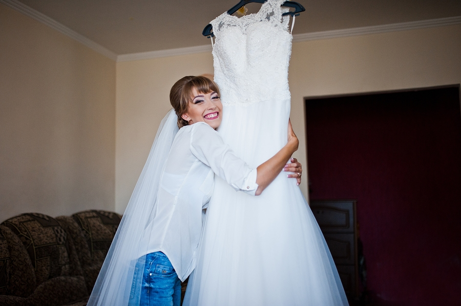 Tips For Storing Your Wedding Dress Before And After Your