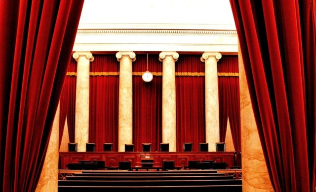 Inside_the_United_States_Supreme_Court-1