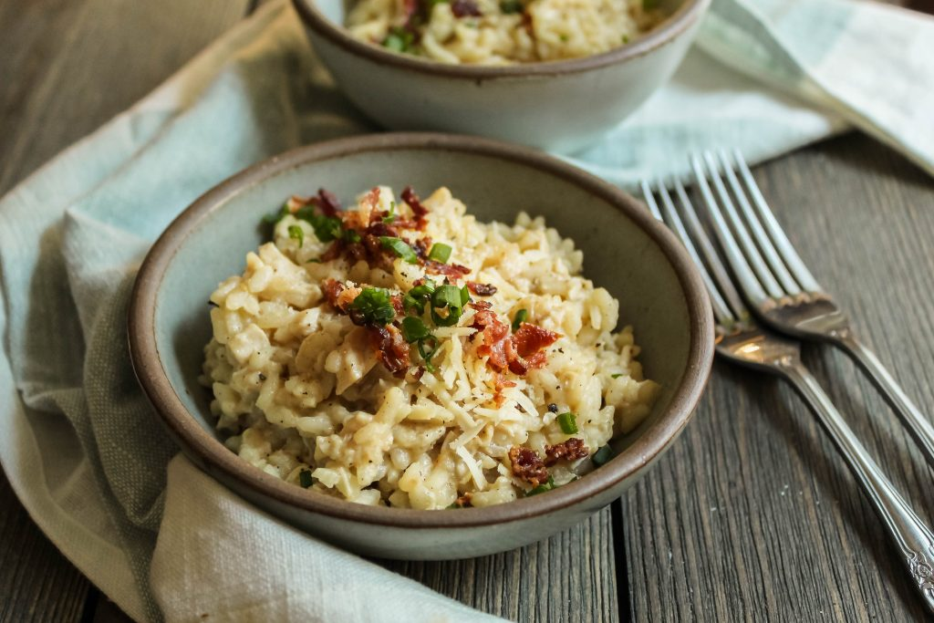 creamy, decadent, over-the-top risotto with smoky bacon, farmhouse cheddar cheese, and shredded rotisserie chicken. an ultimate comfort food for a cozy night in. chicken bacon cheddar risotto | a flavor journal food blog