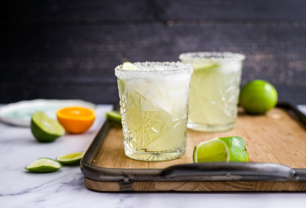 this skinny margarita recipe is made with fresh citrus juice, agave nectar, tequila blanco or reposed, and served over ice. so easy, refreshing, and delicious! skinny margarita recipe | a flavor journal food blog