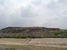 La montagne de déchets des Slumdogs Millionaires