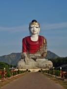 Myanmar : Bouddah veille sur les plantations d'hévéa