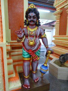 L'Indien a créé les divinités à son image, paraît-il...