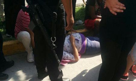 Motociclista arrolla a mujer embarazada y se da a la fuga en Ecatepec