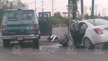 El conductor y el otro tripulante murieron en el lugar.