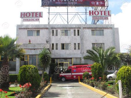 El cuerpo de Norma quedó tirado al interior del hotel.
