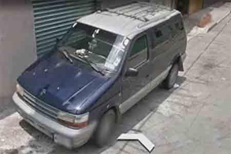 Reportan el robo de una camioneta Voyager en plaza comercial de Ecatepec