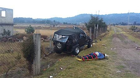 Familia se accidenta en carretera del Edomex; un muerto y 3 heridos fue el saldo