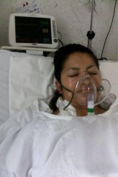 La mujer padece una enfermedad que el Seguro Popular no cubre.