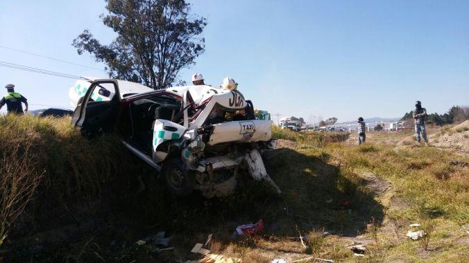 El auto quedó prácticamente destrozado.