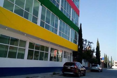Colegio 'patito' cierra a mitad de ciclo escolar y alumnos se quedan sin escuela