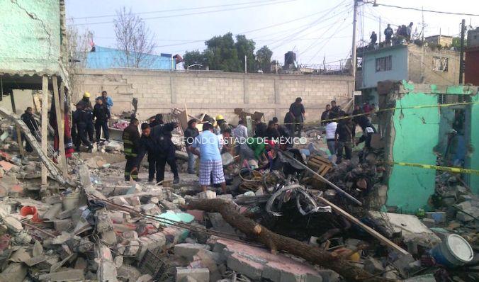 Explosión de pirotecnia deja dos muertos y 7 heridos en Tultepec