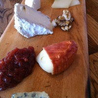 How to Assemble a Cheese Tray
