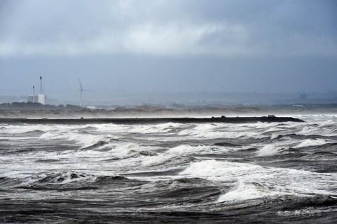 英スコットランドの西海岸に打ちつける波(2017年10月17日撮影、資料写真)。(c)AFP PHOTO / AFP# / Andy Buchanan