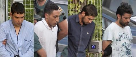 スペインの首都マドリード近郊の勾留施設から移送される4容疑者。左端がモハメド・フリ・シェムラル容疑者(2017年8月22日撮影)。(c)AFP