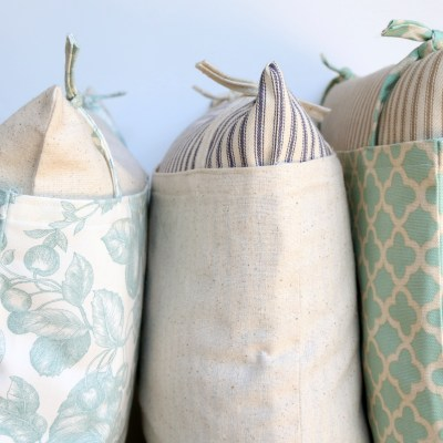 FARMHOUSE STYLE PILLOWS: A TUTORIAL