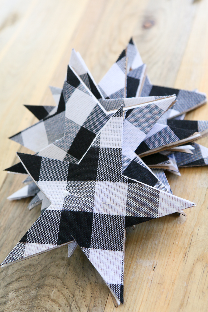 Garlands are a quick and simple way to add some color to your home decor. Grab your sewing machine and let's get to it. Let's make a GINGHAM STARS GARLAND! HOW TO MAKE A GINGHAM STARS GARLAND