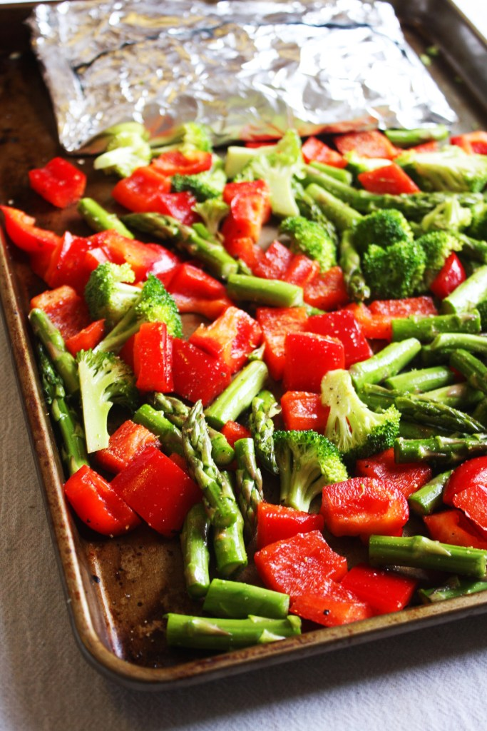 This time of year can make eating right challenging. The cold nights make me want something heartier than salad. Check out these ROASTED VEGETABLE RECIPES! DELICIOUS ROASTED VEGETABLE RECIPES