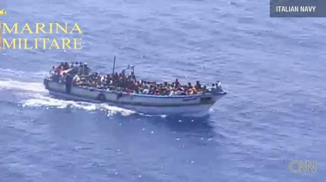 ship-refugee-italy