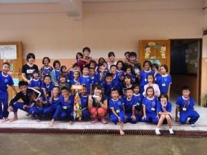 タイ小学校集合写真