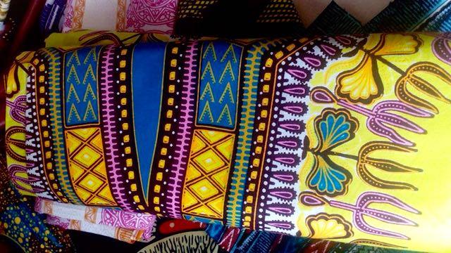 世界中で大流行したダシキ柄 ギニアではアジスアベバと呼ばれています