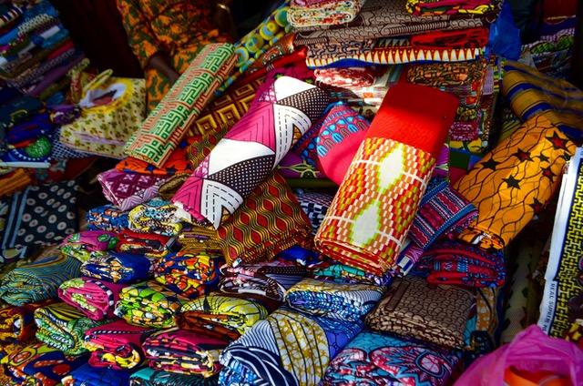 西アフリカの布パーニュは世界中から注目を集めています