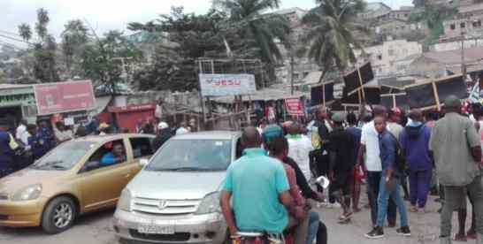 Kongo central: la population de Matadi manifeste contre la construction du pont route-rail Brazzaville-Kinshasa