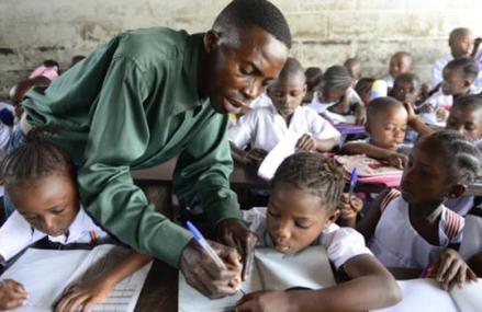 Tshopo : les enseignants du territoire d'Opala abandonnent les élèves et vont en grève