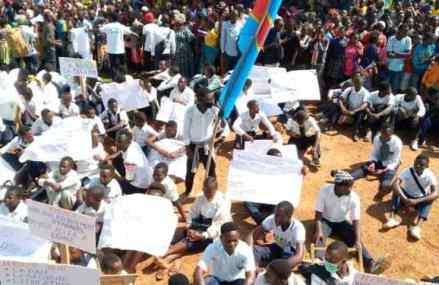 Beni: les élèves refusent de reprendre les cours et exigent la présence de Félix Tshisekedi