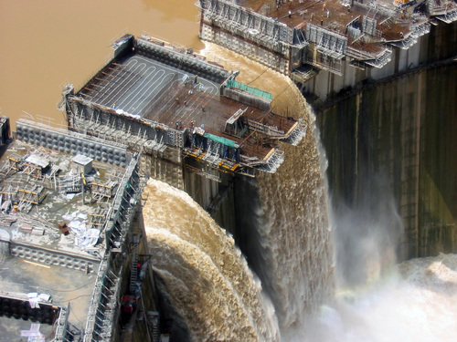 The dam is expected to also contribute to the regulation of flooding