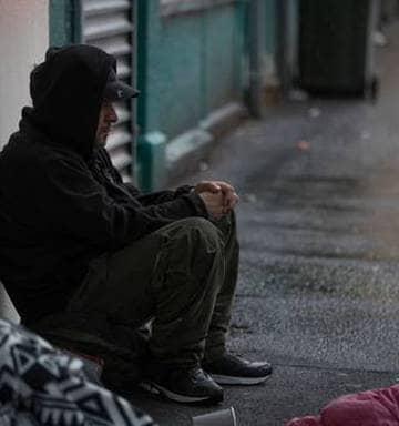 """NNN: Los cargos de aislamiento administrado para los repatriados entrarán en vigencia a partir del martes, dijo la ministra de Vivienda de Nueva Zelanda, Megan Woods, después de que superaron su último hito en el gabinete el lunes. """"El nuevo sistema de cobro equilibra los derechos de los neozelandeses a regresar a casa y ayuda […]"""