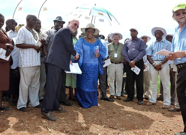 Sowing the seeds for 2018: Joice Mujuru with EU Ambassador Aldo Dell'Ariccia. Photograph by EU.