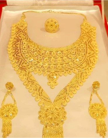 African New Designer Shimmering Alloy Gold Plated Necklace Set for Women