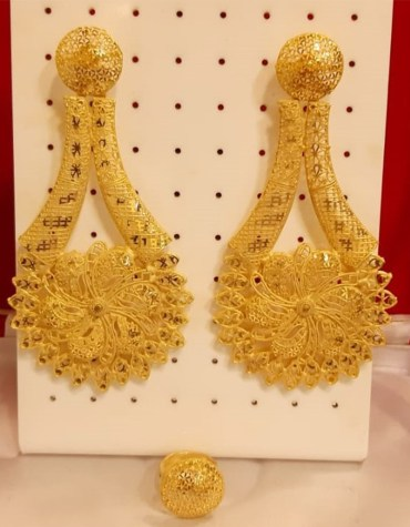 African Designer golden earring wedding party set for Woman