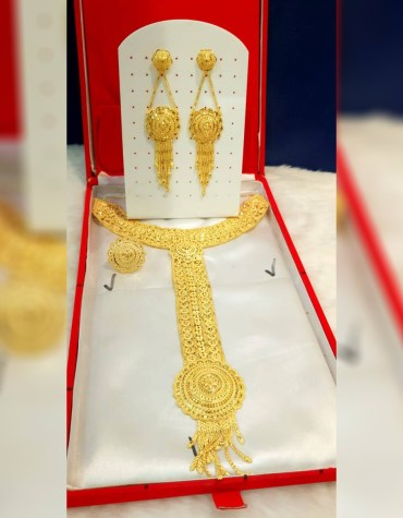 African New Trendy Designer Gold Jewellery Set For Women