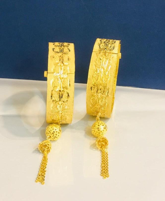 Flower Designer 2 Gram Golden Plated Couple Bangle Jewellery for Evening Party
