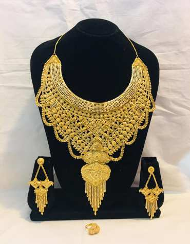 Latest Collection Unique Designer Gold Jewellery Necklace And Earrings Set For Women