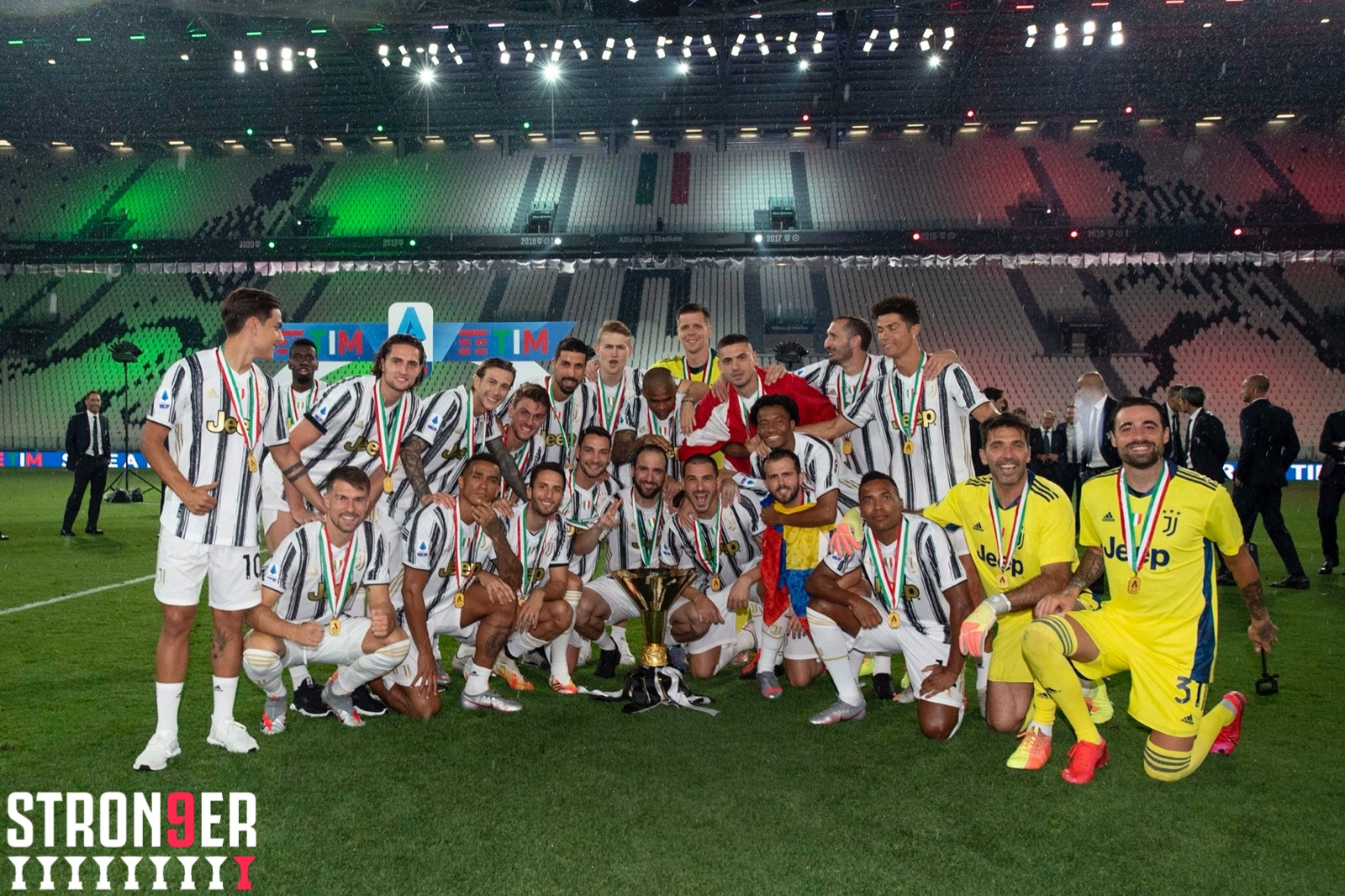 Highlights Juve Lift Serie A Trophy After 3 1 Defeat To Roma