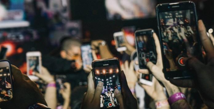 Media Lists, Mobile Phones as Media