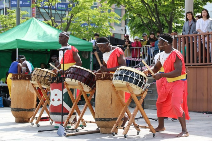 Ethiopia Percussion As Gwangdeok Ansan Street Pole
