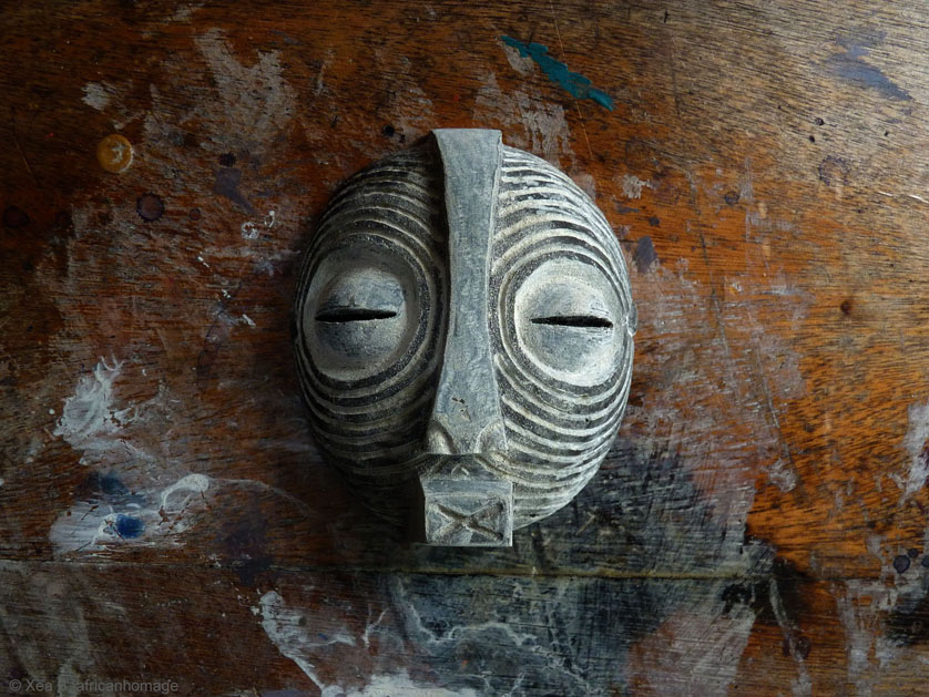 Jewelry - Luba mask pendant - Xea B. - Sculpture