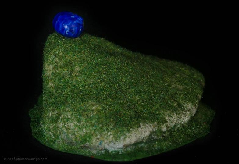 The blue snail, sculpture, Addé