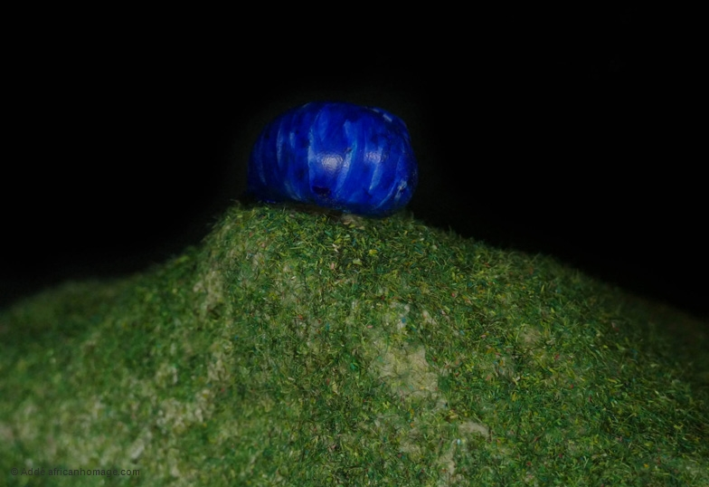 The blue snail, sculpture, Addé, detail